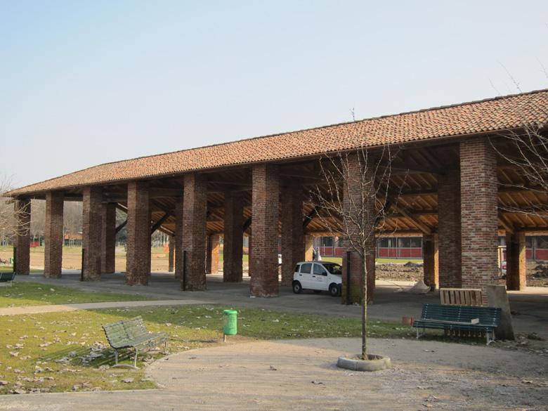 corpo rustico portico complesso di chiesa rossa